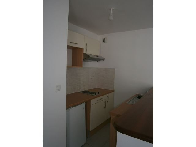 Location appartement St denis 540€ CC - Photo 1