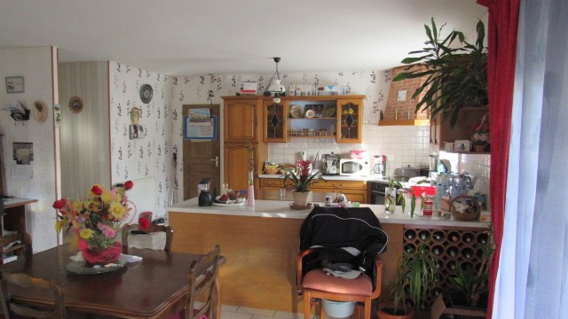 Sale house / villa Saint-jean-d'angély 174 900€ - Picture 4