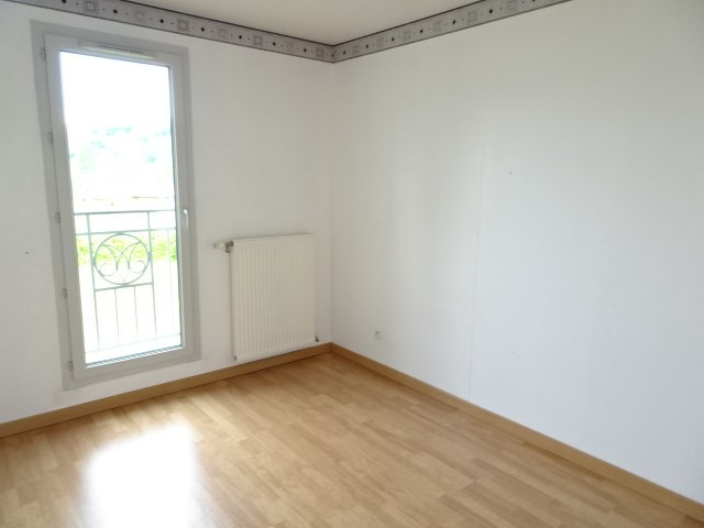 Location appartement Portes des pierres dorees 705€ CC - Photo 7
