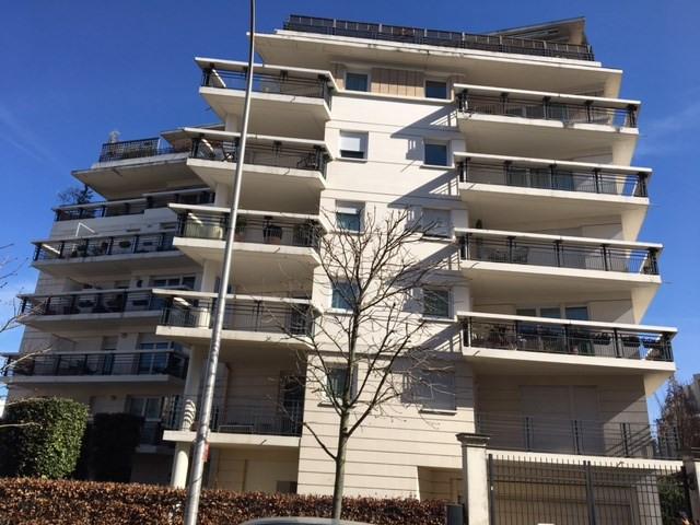 Rental apartment Courbevoie 1280€ CC - Picture 2