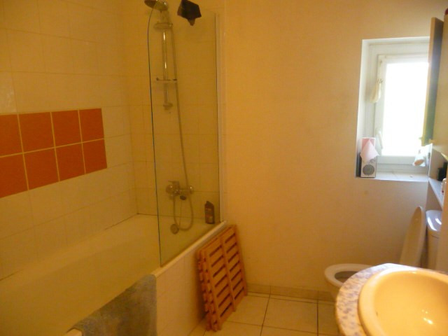 Location appartement Cabries 700€ CC - Photo 4
