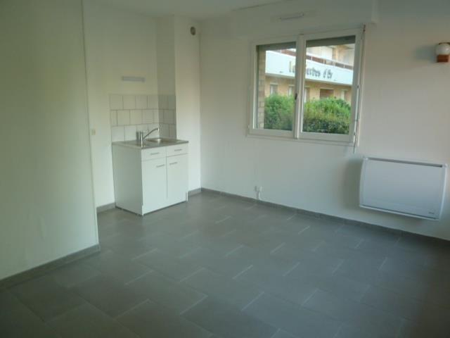Location appartement Bethune 340€ CC - Photo 1
