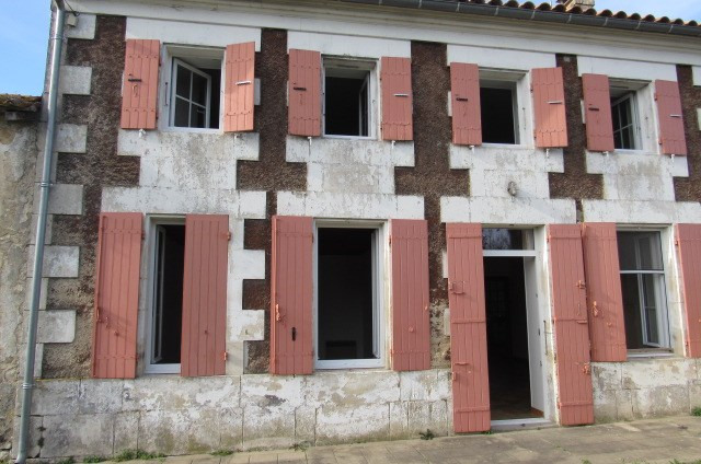Sale house / villa Archingeay 126 600€ - Picture 2