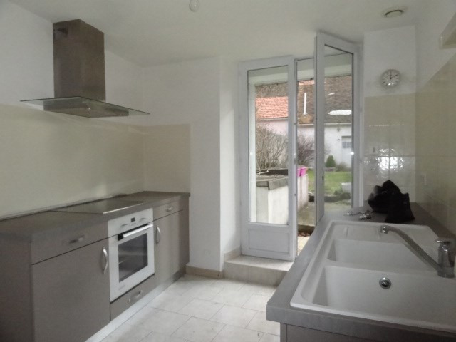 Location maison / villa Ferrieres en gatinais 530€ CC - Photo 3