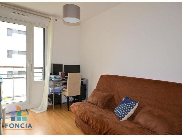 Rental apartment Suresnes 2 047€ CC - Picture 8