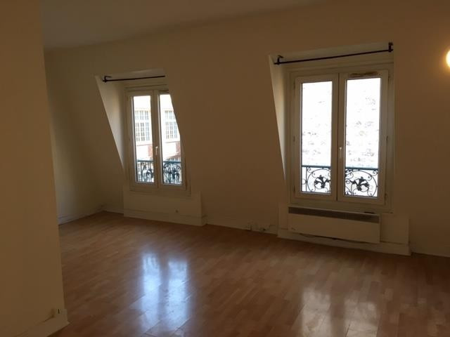 Location appartement Paris 17ème 1 170€ CC - Photo 1