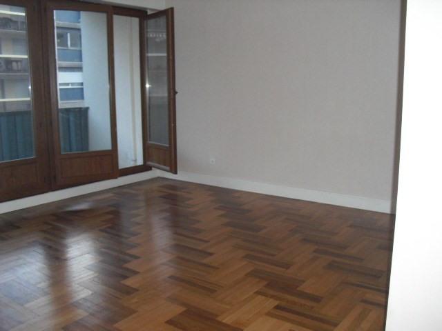 Location appartement Grenoble 870€ CC - Photo 3