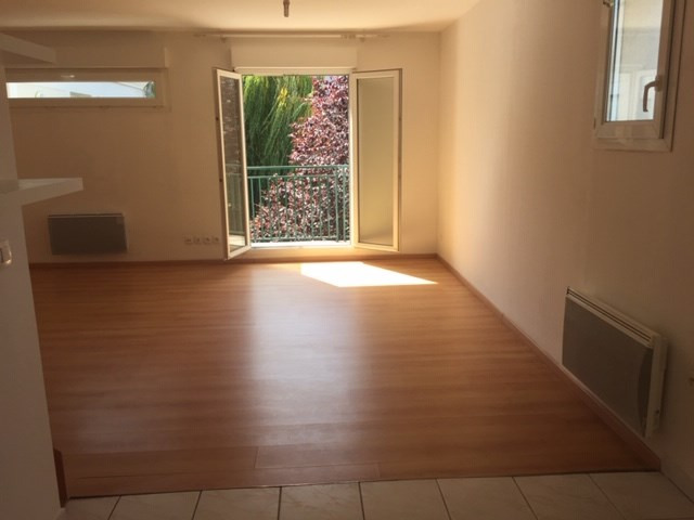 Rental apartment Juvisy sur orge 954€ CC - Picture 3