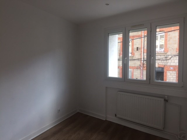 Locação apartamento Saint-etienne 600€ CC - Fotografia 8