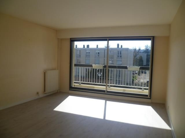 Location appartement Rueil malmaison 1 080€ CC - Photo 1