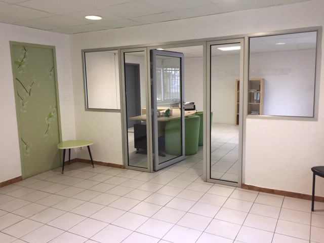 Location local commercial Marignane 4 000€ HC - Photo 5
