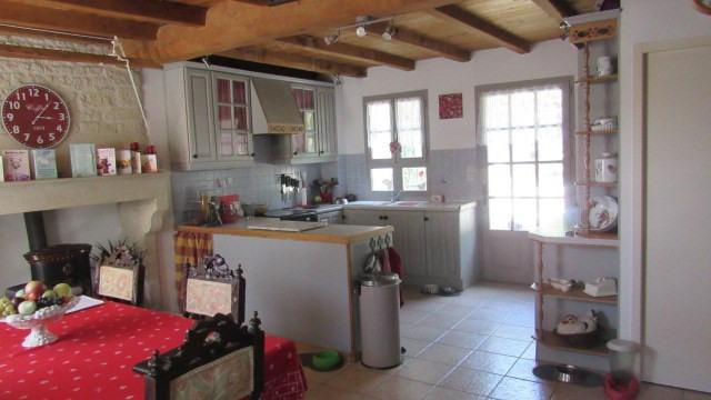 Sale house / villa Saint-georges-de-longuepierre 327050€ - Picture 5