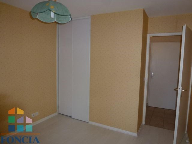 Location appartement Bassens 615€ CC - Photo 3