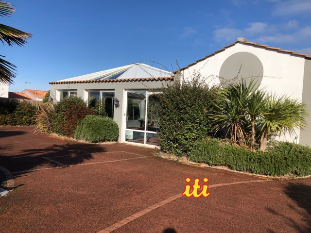 Sale house / villa Chateau d'olonne 402 000€ - Picture 1