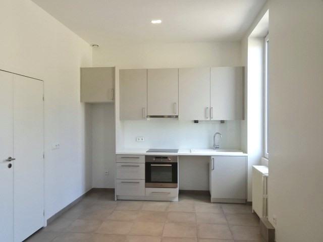 Location appartement Villefranche sur saone 898€ CC - Photo 3