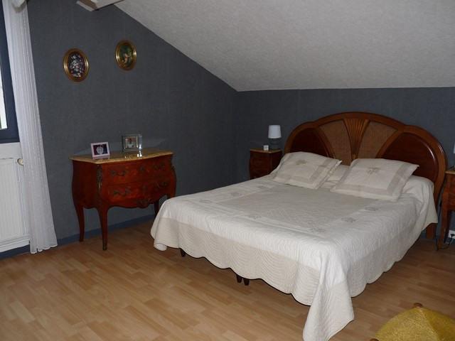Vente maison / villa Montverdun 239000€ - Photo 8