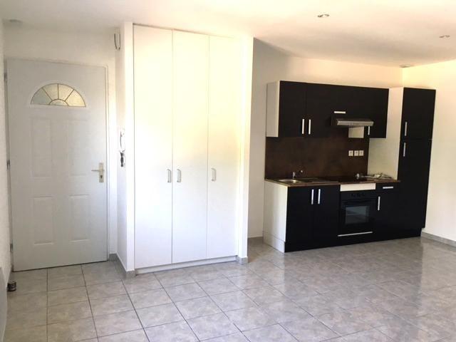 Rental apartment Chavanoz 660€ CC - Picture 2