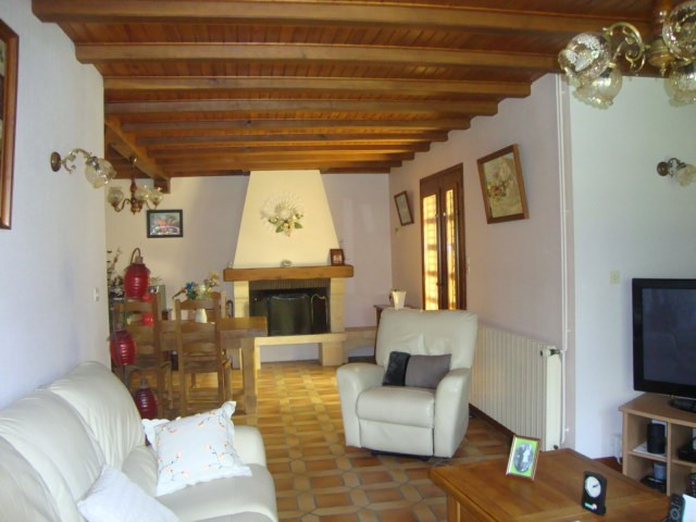 Sale house / villa Loulay 259 700€ - Picture 5