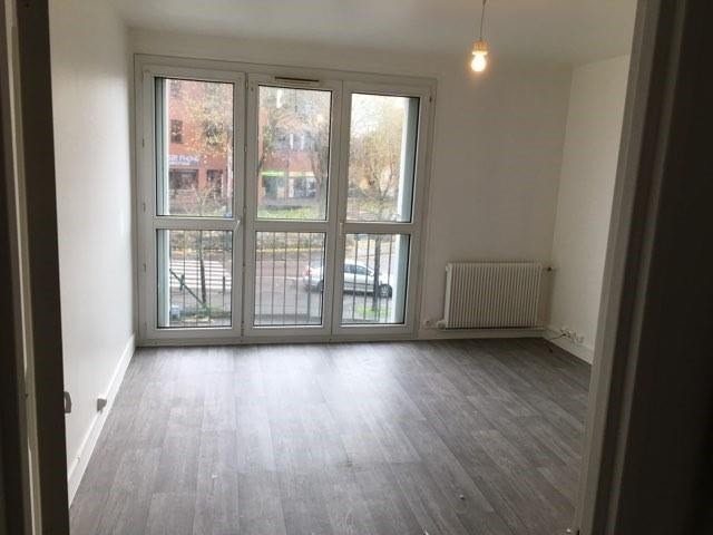 Location appartement Plaisir 875€ CC - Photo 1