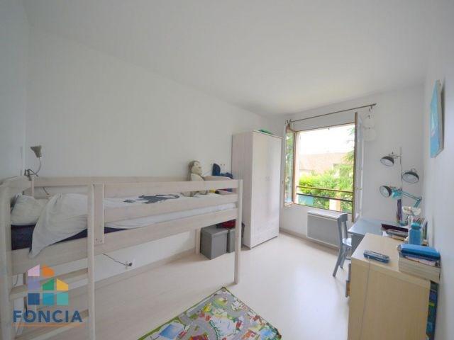 Deluxe sale house / villa Rueil-malmaison 875000€ - Picture 8