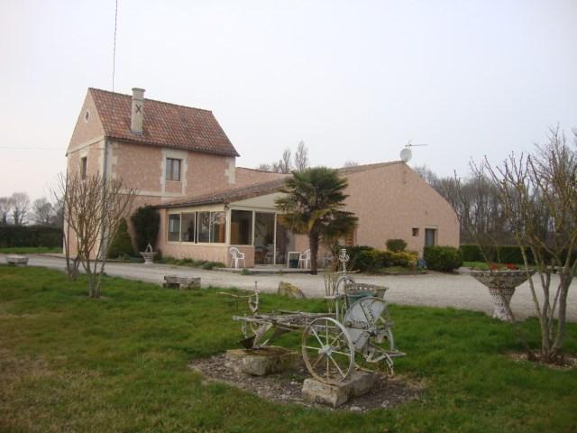 Sale house / villa Brizambourg 233200€ - Picture 1