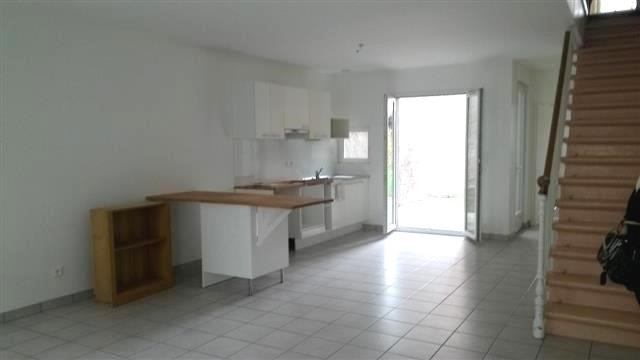 Location maison / villa Belleville 682€ CC - Photo 1