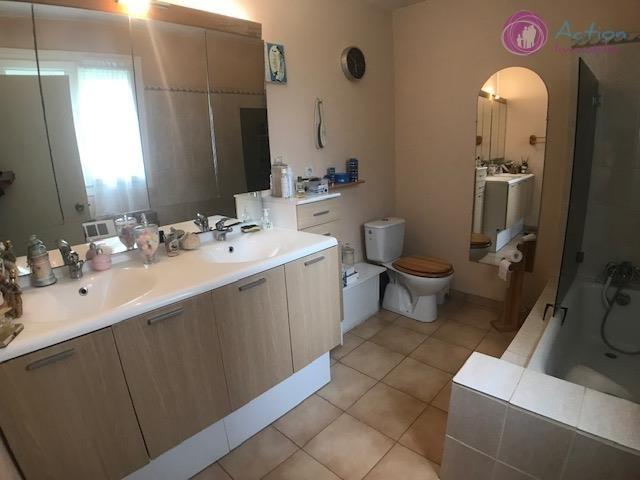 Sale house / villa Lesigny 450000€ - Picture 6