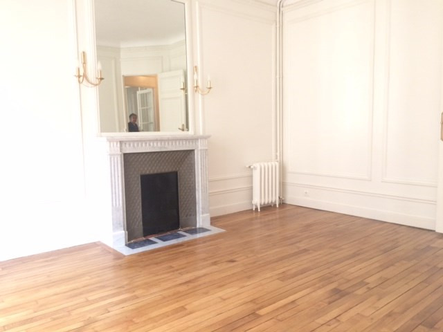 Rental apartment Paris 7ème 4 065€ CC - Picture 1