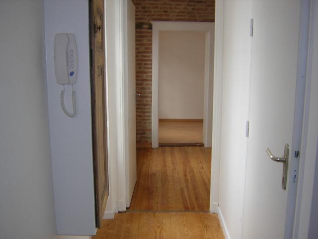 Location appartement Albi 419€ CC - Photo 2