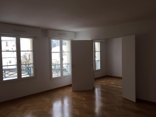 Rental apartment Versailles 2 046€ CC - Picture 1
