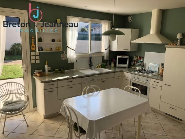 Sale house / villa Laval 312 000€ - Picture 3