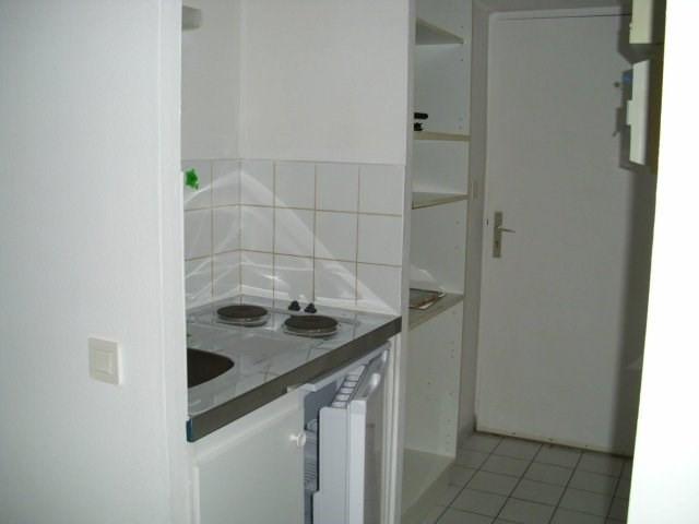Rental apartment Coignieres 564€ CC - Picture 3