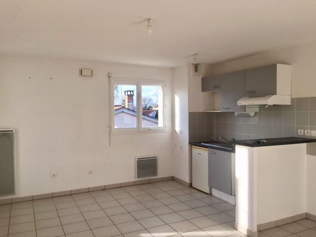Location appartement Roques 660€ CC - Photo 4