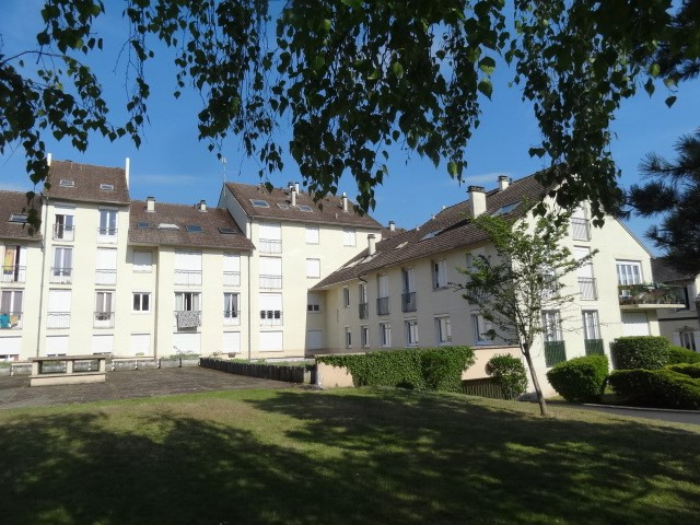Rental apartment Montargis 540€ CC - Picture 1