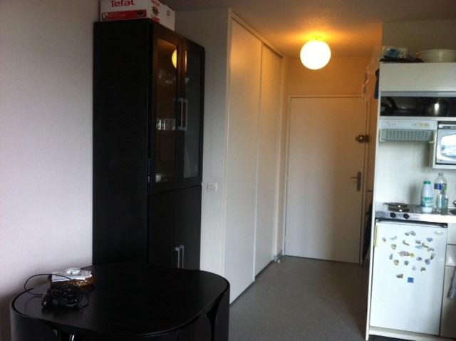 Location appartement Élancourt 590€ CC - Photo 2