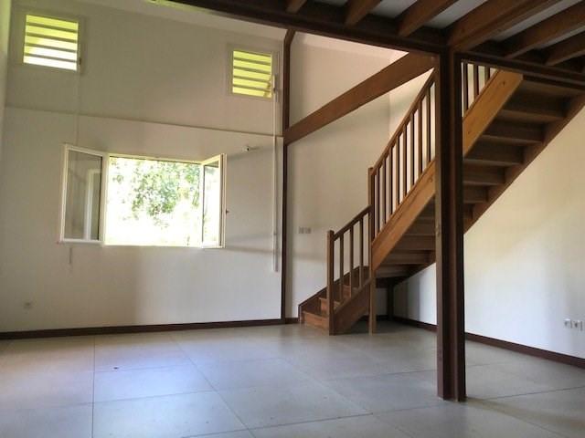 Location maison / villa St benoit 914€ CC - Photo 6
