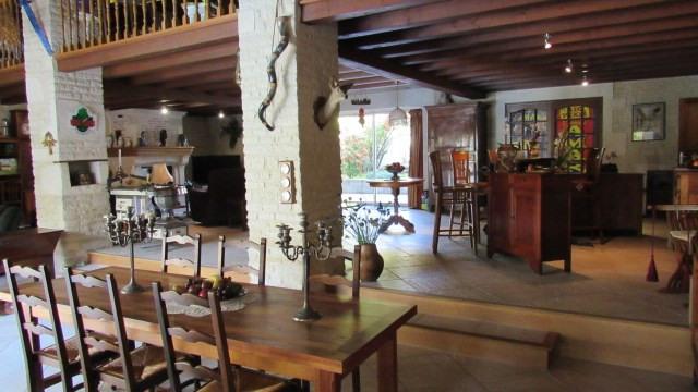 Sale house / villa Saint-jean-d'angély 582400€ - Picture 5