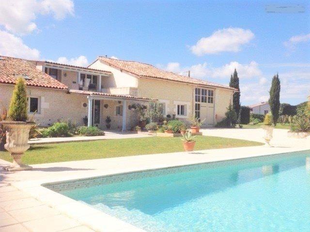 Sale house / villa St andre de cubzac 388500€ - Picture 1