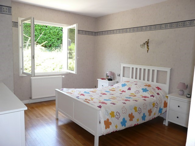 Rental house / villa Saint-genest-lerpt 1076€ CC - Picture 8