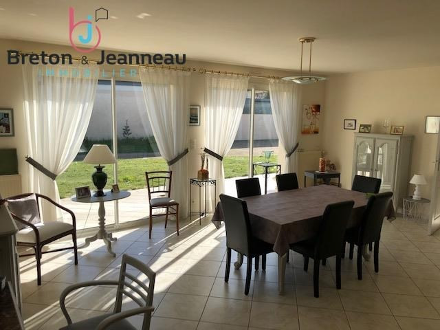 Sale house / villa Laval 312 000€ - Picture 2
