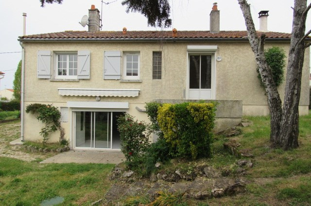 Vente maison / villa Bords 161 120€ - Photo 1