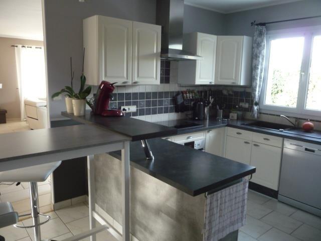 Sale house / villa Beaucouze 325500€ - Picture 3