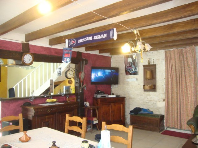 Sale house / villa Saint-jean-d'angély 80 250€ - Picture 5