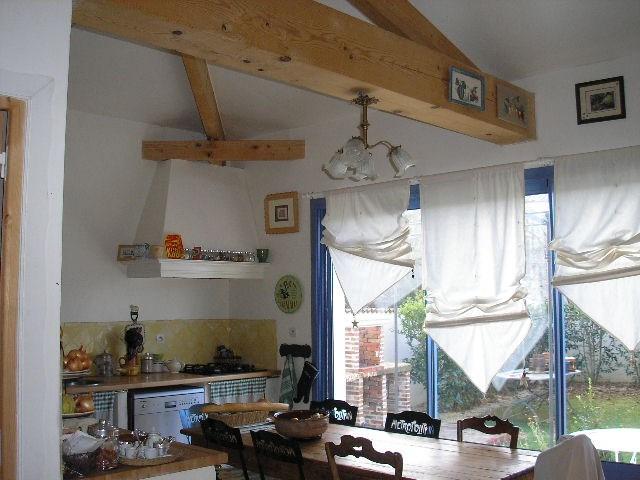 Sale house / villa Saint jean d'angely 270080€ - Picture 4