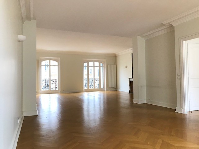 Rental apartment Paris 8ème 6 424€ CC - Picture 1