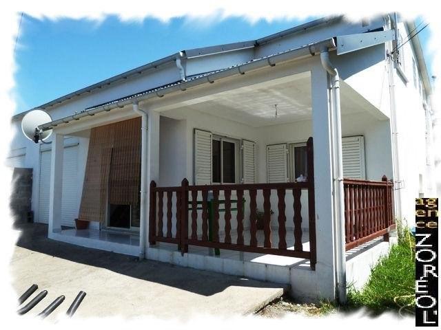 Location maison / villa Petite ile 790€ CC - Photo 1