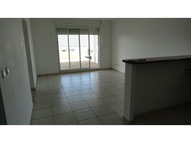 Location appartement Ste clotilde 791€ CC - Photo 2