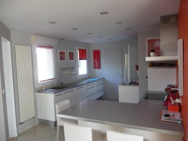 Sale house / villa Beaucouze 367500€ - Picture 2