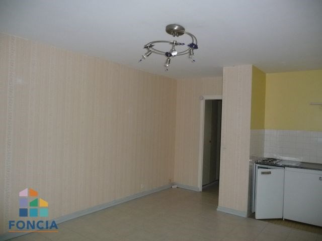Location appartement Jacob-bellecombette 402€ CC - Photo 3