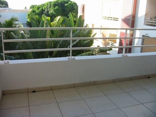 Location appartement St denis 367€ CC - Photo 5